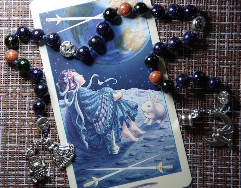 Богиня Луны и Лунный Заяц - четки-ритуалы